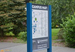 wayfinding post and panel sign